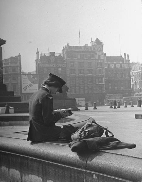 woman reading the captive reader