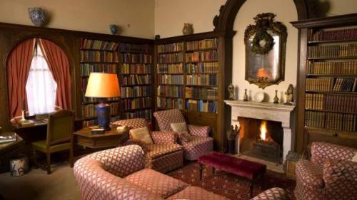 La Foce Library 2